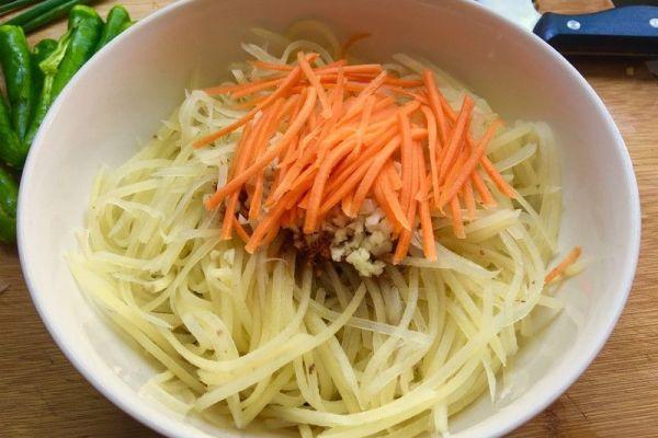 凉拌菜的家常的做法之凉拌土豆丝,简单又不失美味第十步