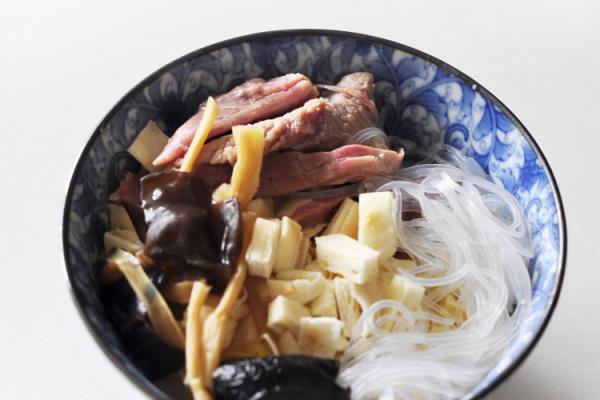 西安味道的羊肉泡馍麻辣烫第八步