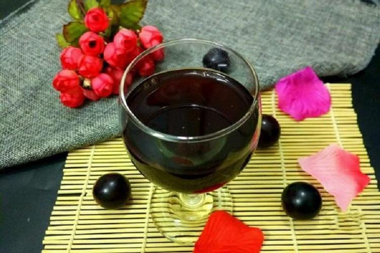 自制葡萄酒,口感浓郁唇齿留香