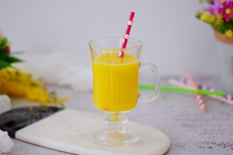 玉米胡萝卜汁,香甜可口,温暖你的全身