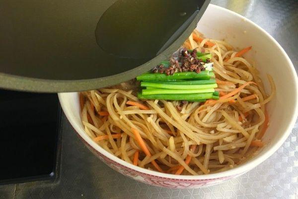 凉拌菜的家常的做法之凉拌土豆丝,简单又不失美味第十三步