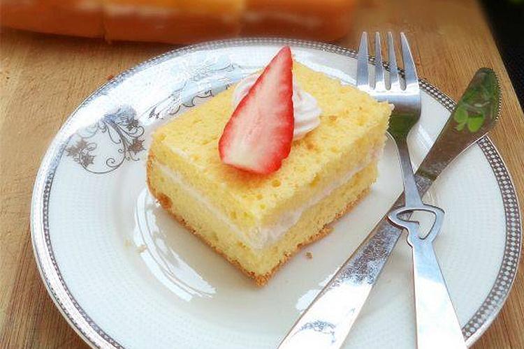 柔软绵密的淡奶油海绵蛋糕