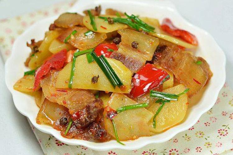 小土豆翻身做主角的土豆回锅肉