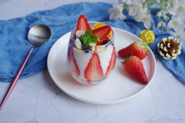 吃不胖的甜品:酸奶水果杯