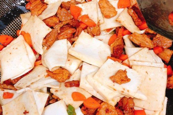 小炒千叶豆腐,简单又美味第六步