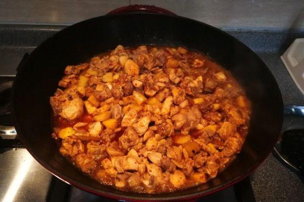 辣子兔丁,兔肉肉质细嫩,口感鲜香麻辣第四步