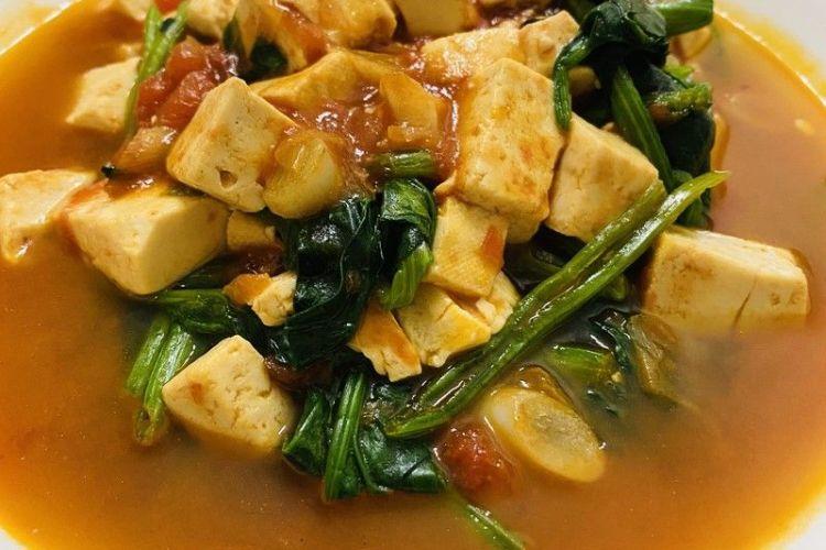 番茄菠菜炖豆腐,美味游走于唇齿间