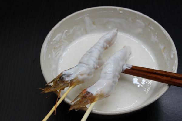 在家自制日式天妇罗油炸大虾第四步