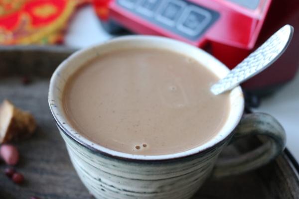 特别适合女性的一种汤水,五红水制作简单,特别适合早餐饮用第九步