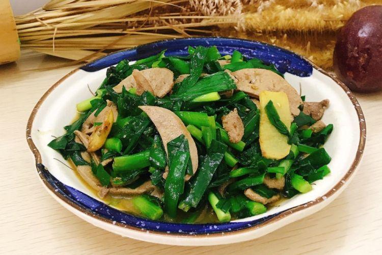 韭菜豬肝清清爽爽的家常小炒菜,適合全家老少食用