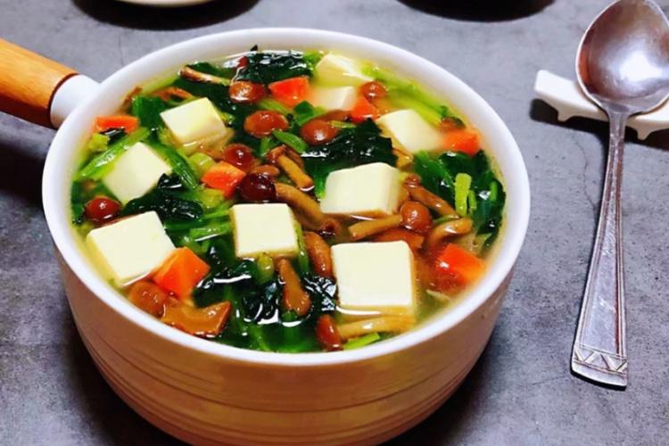 豆腐菠菜,营养搭配,好吃不贵