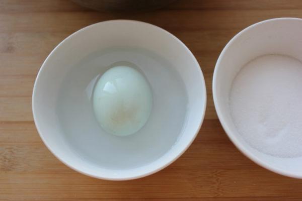 搭配什么都很美味,流油的腌咸鸭蛋第六步