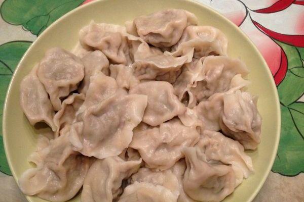 猪肉芹菜饺子馅简单方法第十步