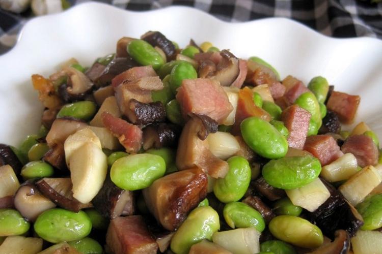 拌饭神器——毛豆腊肉香菇丁