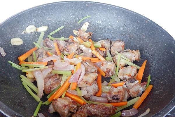 美味干锅小排骨第八步