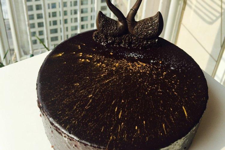 黑天鹅蛋糕,实力与颜值并存