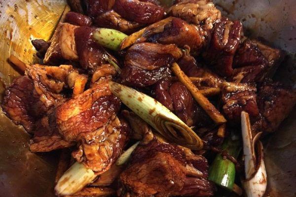 羊角粽的馅之蛋黄肉馅,保证用它包粽子超级好吃第八步