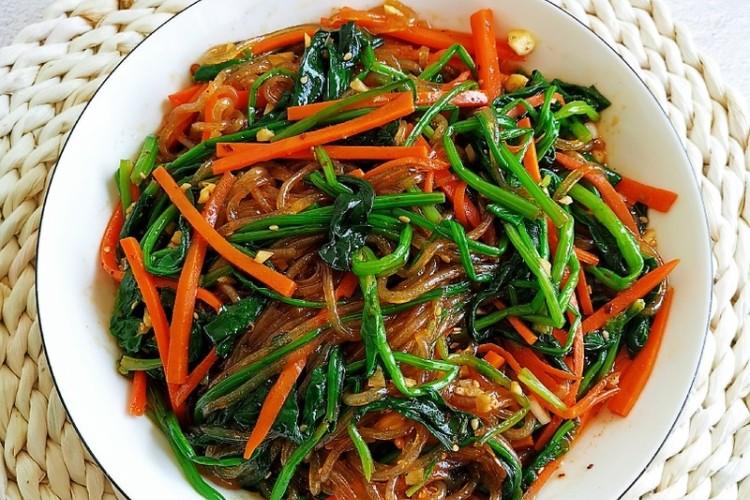 简单易做的快手凉菜——凉拌菠菜粉丝