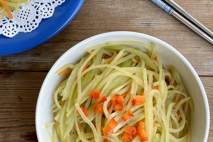 享受午餐的美好,芹菜土豆首当第一