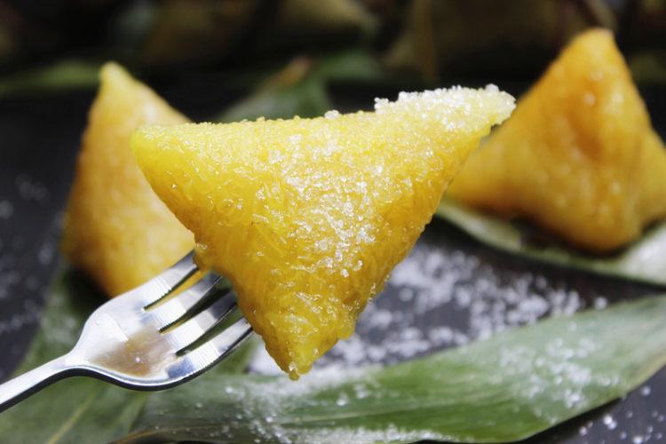 传统的简单味道——碱水三角粽