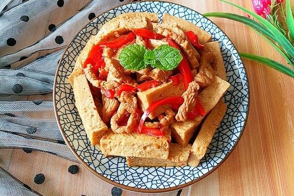 千叶豆腐炒瘦肉,嫩滑多汁营养又美味第九步