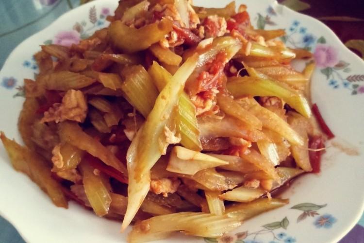 營養的西紅柿炒芹菜
