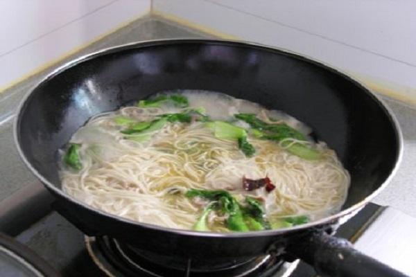 小白菜肉丝面,清淡不油腻老少皆宜第八步