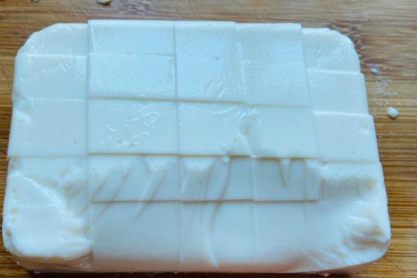豆腐菠菜汤,非常清香的一款汤,配上一碗自己喜欢的蘸水也不错哟第三步