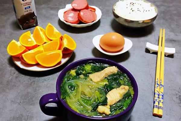 菠菜粉条鲜肉汤,给予你不一样的味觉体验第十一步