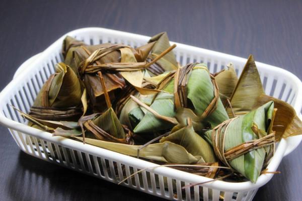 传统的简单味道——碱水三角粽第七步
