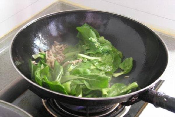 小白菜肉丝面,清淡不油腻老少皆宜第五步