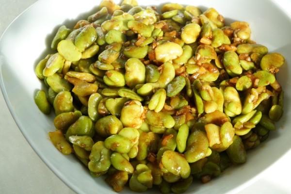 蚕豆怎么做好吃呢?做成蒜香蚕豆吧!超级好吃第九步
