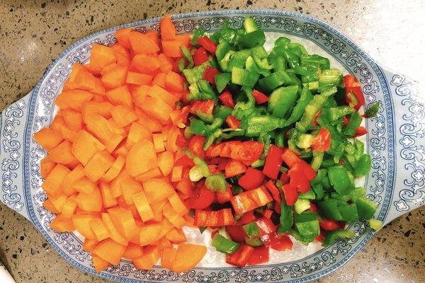 小炒千叶豆腐,简单又美味第二步