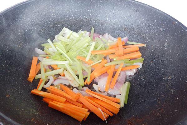 美味干锅小排骨第七步