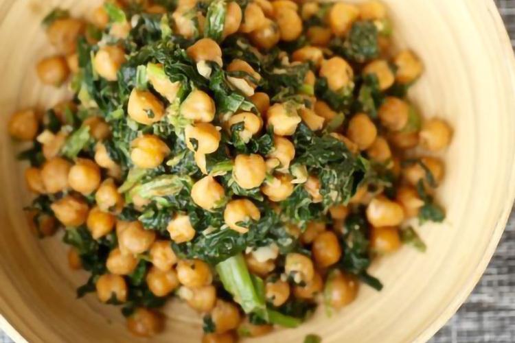 菠菜沙拉之菠菜鹰嘴豆沙拉,带你get到它的美味与颜值