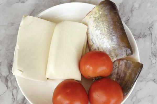 手把手教你球溪鲶鱼的家常做法,酸香美味十分开胃第一步