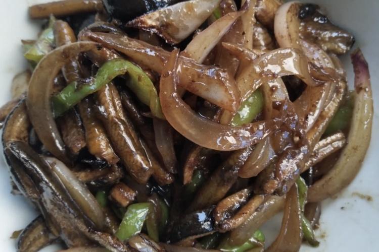 软兜长鱼不仅香软滑口,而且味道鲜美,配合白米饭真是绝了