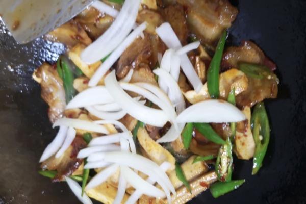 豆干回锅肉——超级下饭的一道菜第十步