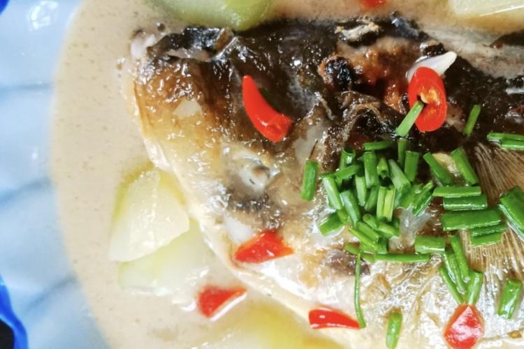鲜掉大牙的拆烩大鱼头,汤汁拌上饭能吃好几碗