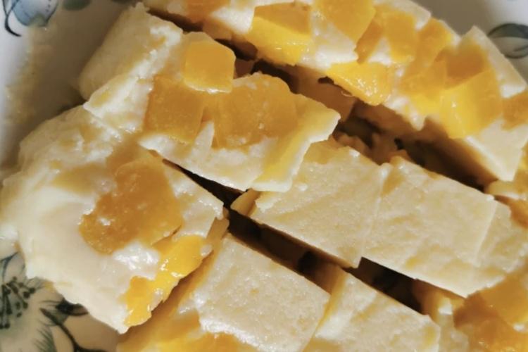 懒人版本的酸奶芒果钵仔糕
