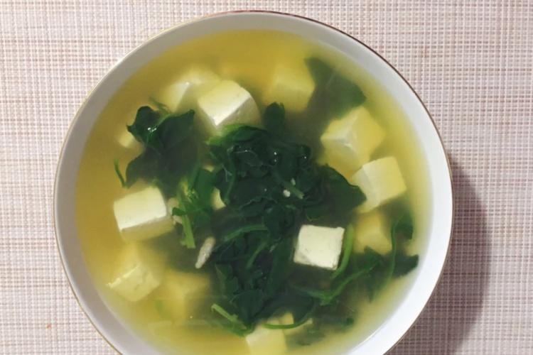 菠菜豆腐汤——素食者的最爱