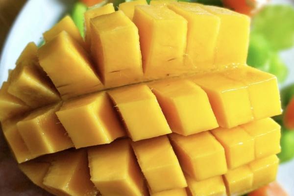 芒果虾仁莴苣沙拉健康低脂好美味第十步