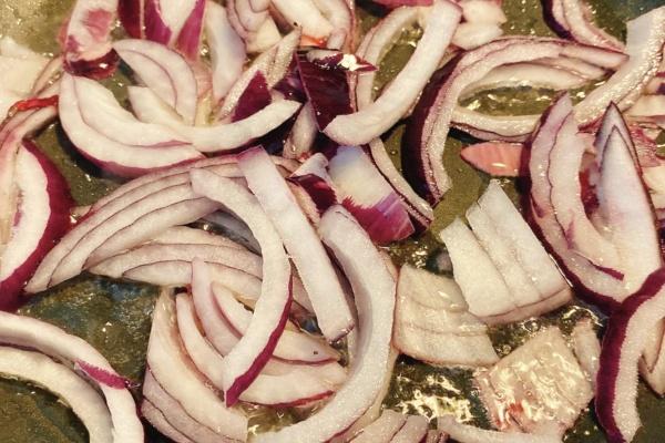 鞑靼牛肉炒面——用中式方法炒西式面第五步