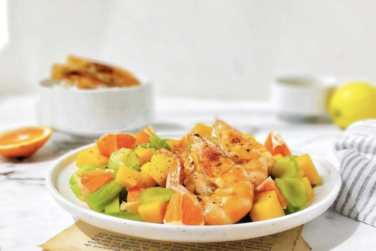 芒果虾仁莴苣沙拉健康低脂好美味