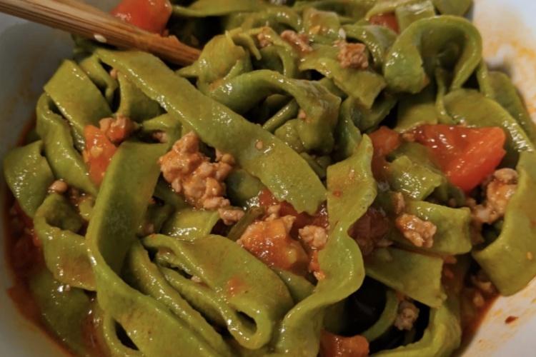 怕长胖,就吃番茄肉末菠菜面,低脂又美味
