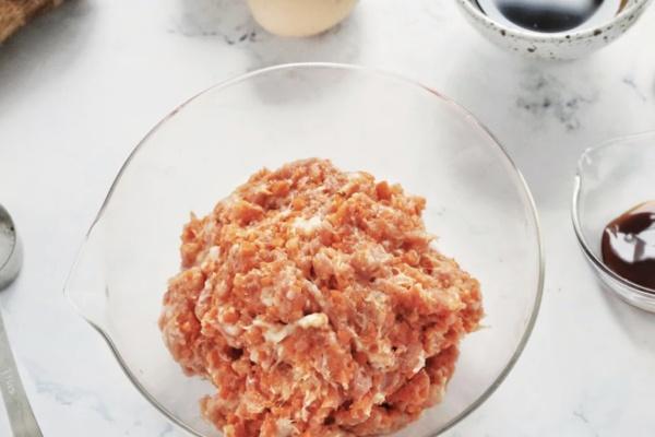 怪味鸡蛋肉卷——简单快手的美味早餐第二步