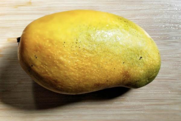 芒果虾仁莴苣沙拉健康低脂好美味第四步