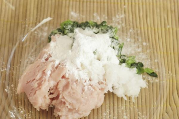 白萝卜菠菜肉丸——小小的身体藏着大大的营养第九步