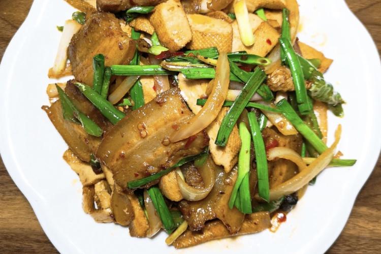 豆干回锅肉——超级下饭的一道菜