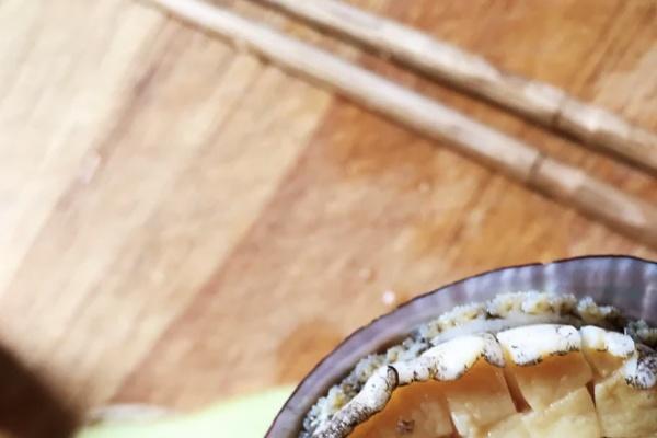 虫草鲍鱼炖汤,秋季营养汤煲首选第六步